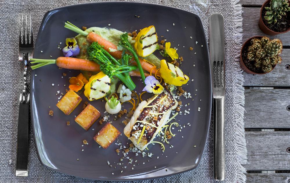 Filet de Lieu Jaune grillé, pomme Anna et légumes de saison